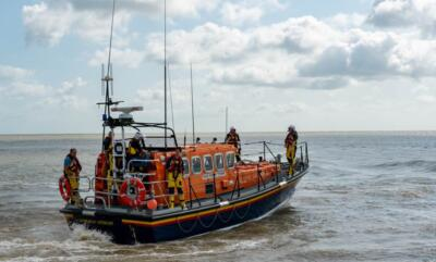 071 Lifeboat on its Way 24